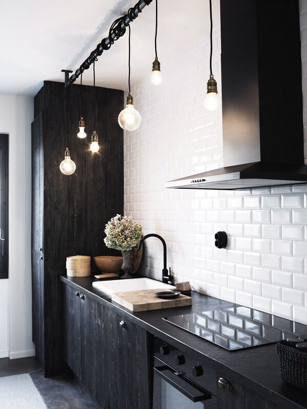 Dou0027s U0026 Donu0027ts For Decorating With Black Tile | Maria Killam