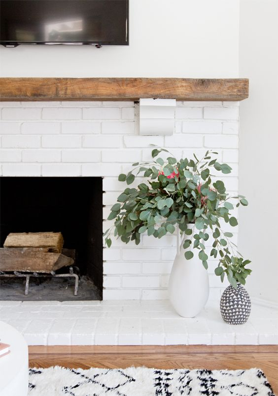 Ask Maria: Is my Fireplace too Earthy for a White Kitchen?