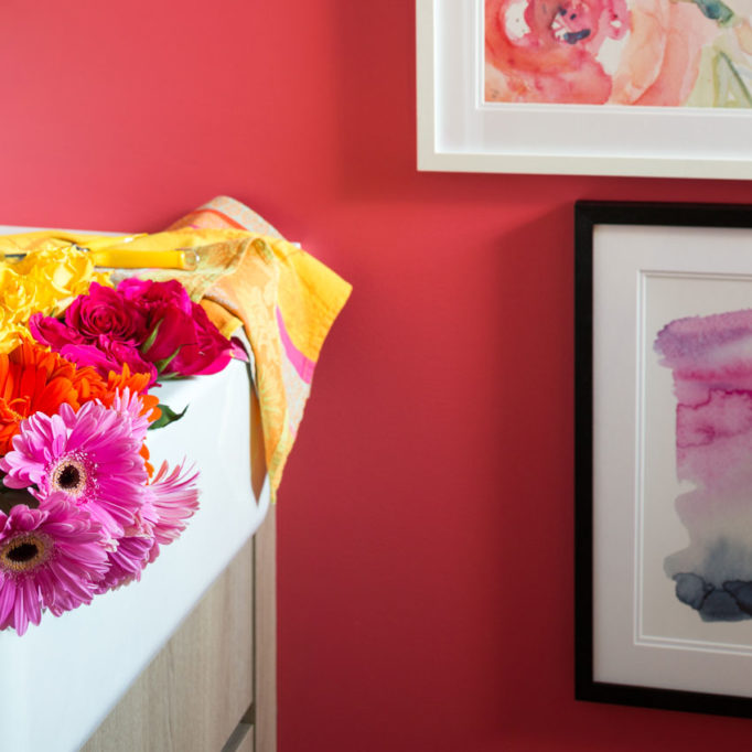 Decorating with Colour | Pink Powder Room | Bathroom Design | Farmhouse Sink | Styling Ideas | Classic White Bathroom