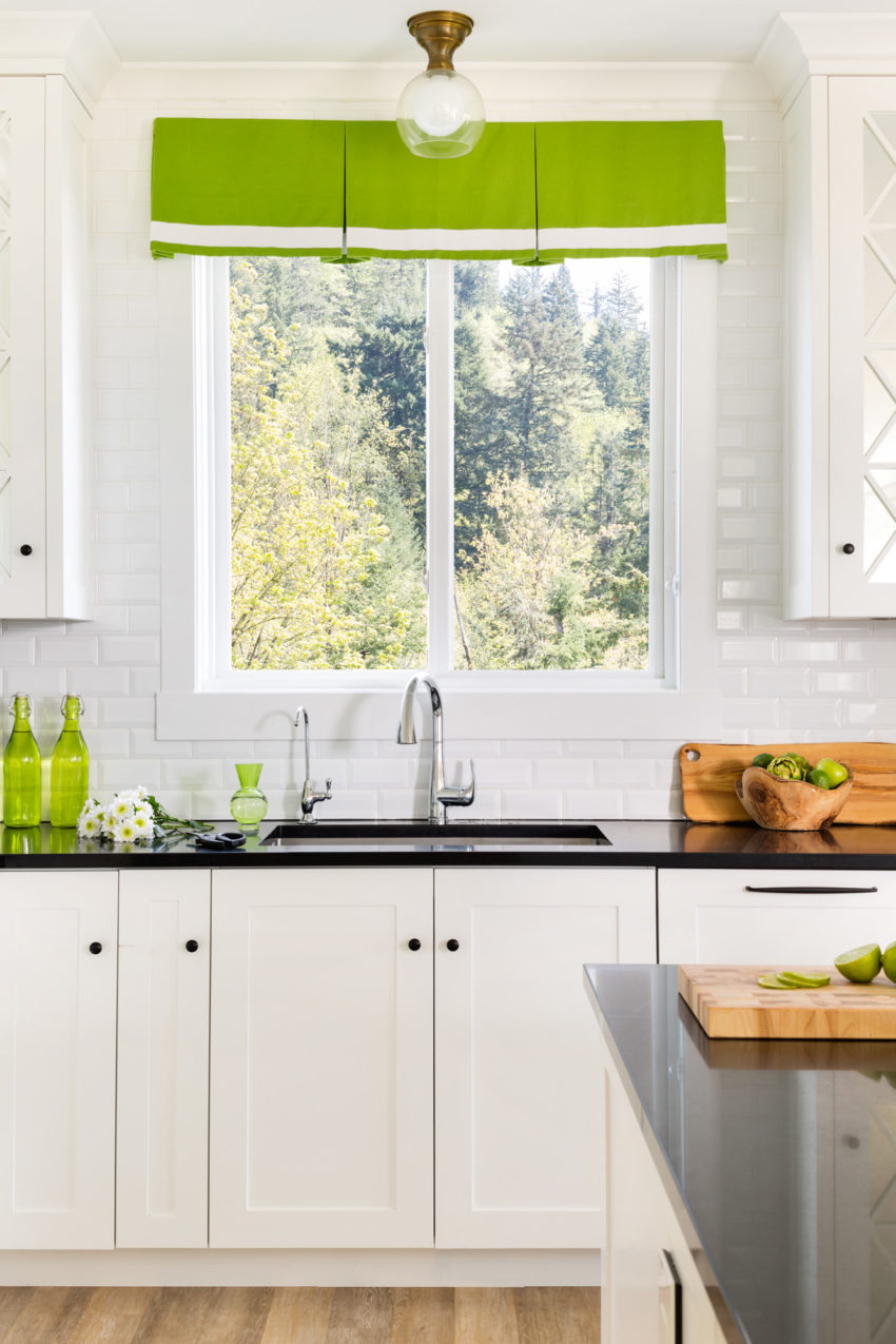 White Kitchen | Black Hardware | Pendant Lighting | White Shaker Cabinets | Kitchen Bar Stools | Kitchen Lighting | Decorating with Green