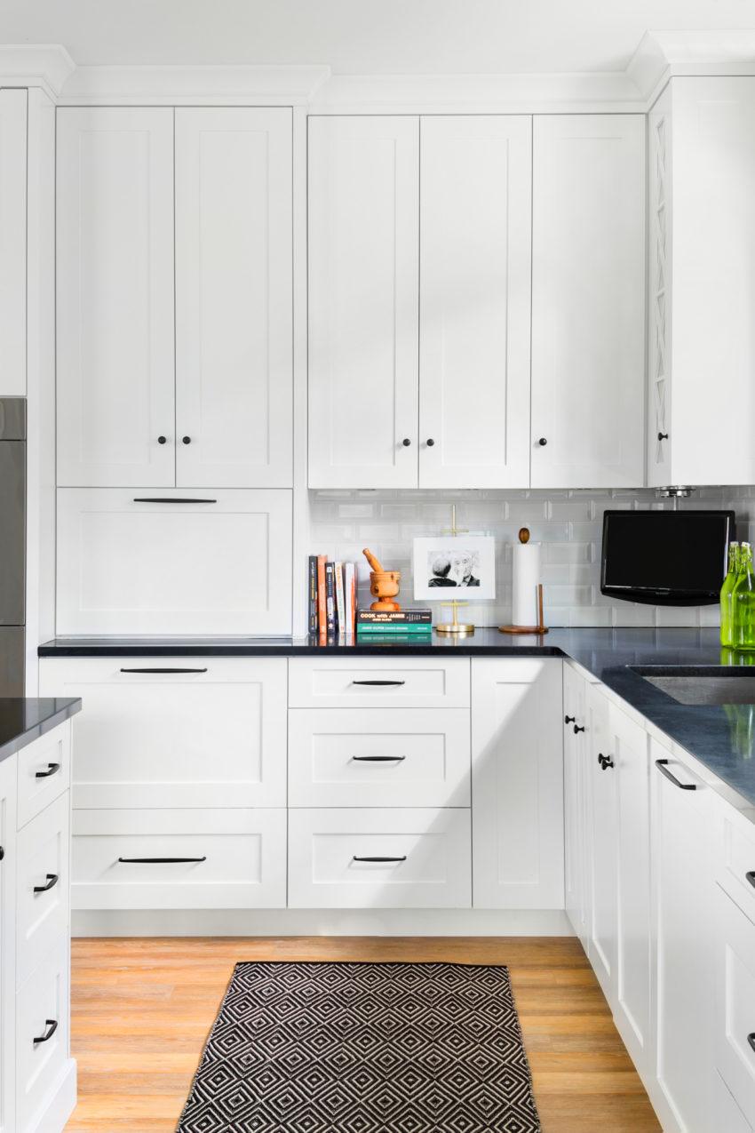 White Kitchen | Black Hardware | White Shaker Cabinets