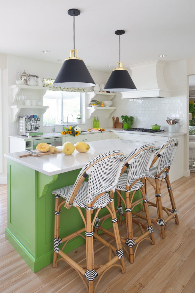 Classic White Kitchen | Decorating with Colour | Kitchen Island Design | Kitchen Eating Area | Black and White Kitchen
