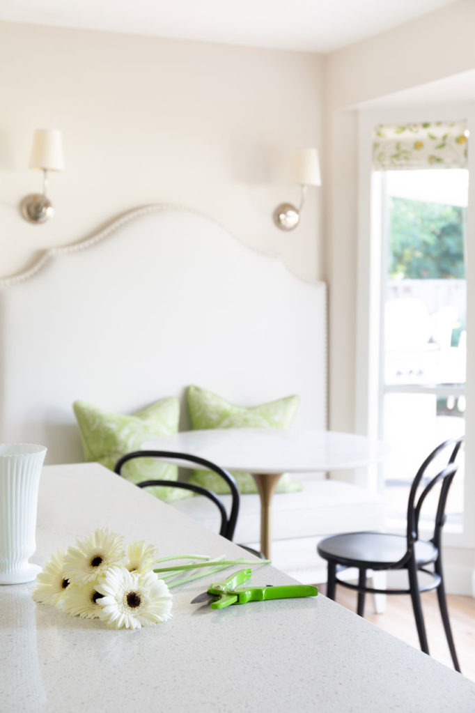 Classic White Kitchen | Decorating with Colour | Kitchen Island Design | Kitchen Eating Area | Banquette Seating