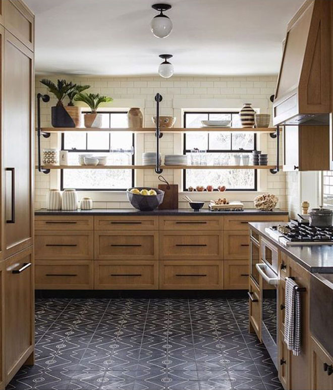 Knotted Oak Kitchen Cabinets: The New Look Of Wood Kitchens: Timeless Or Trendy?