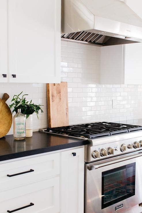 Ask Maria Is My Travertine Backsplash Wrong With My White Kitchen